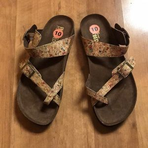 Floral White Mountain Sandals